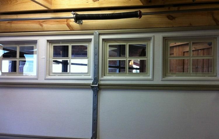 Garage door styles what 39 s your style for Insulated garage doors reviews